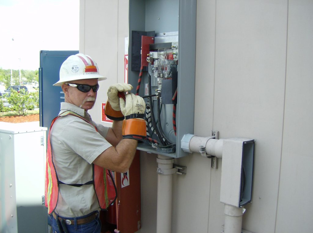 K&K Electrician with PPE